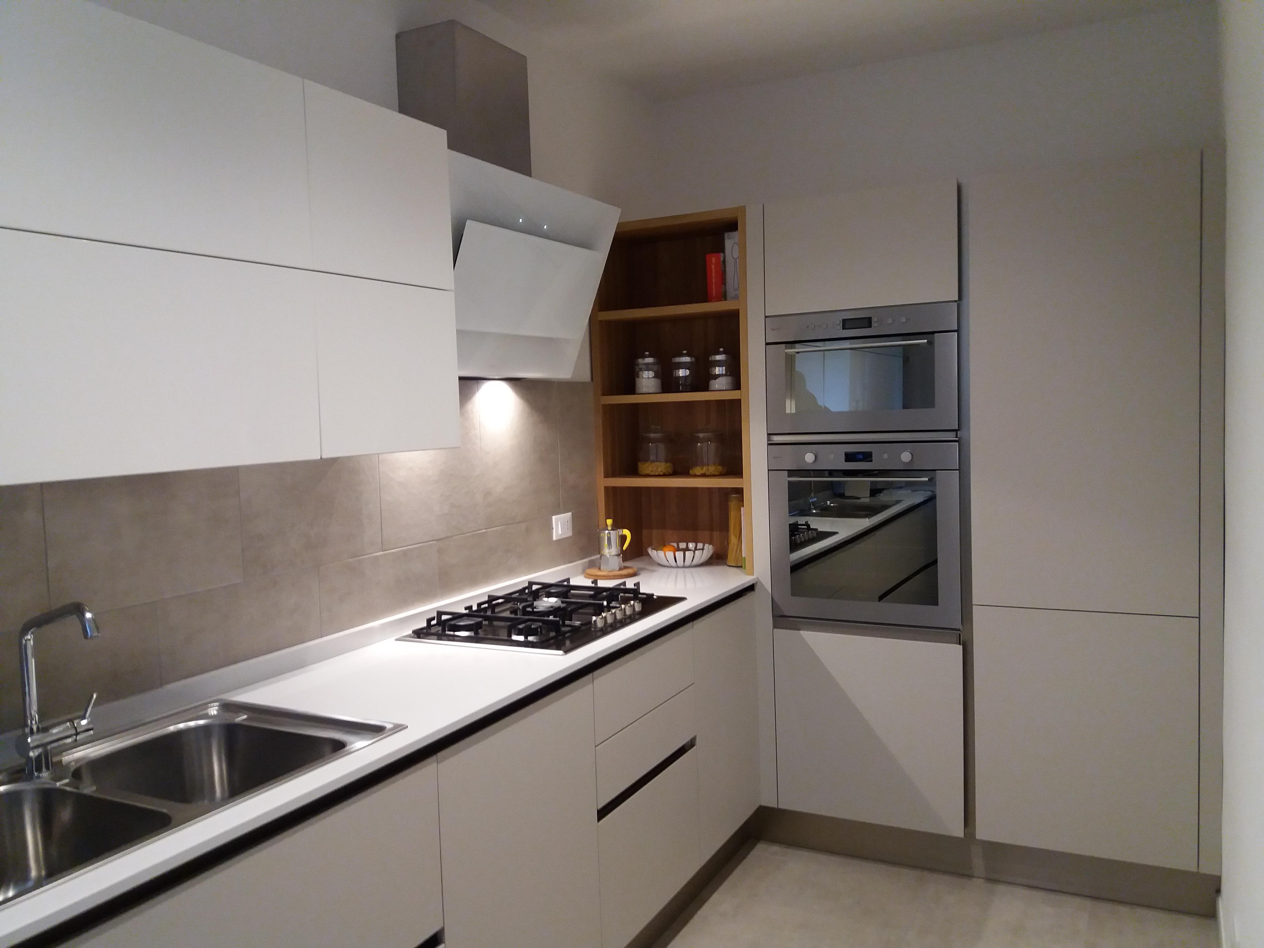 Cucina -OYSTER DEK SILK- Veneta Cucine - Minelle Arredamenti